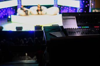 talk-show-1149788_1280.jpg
