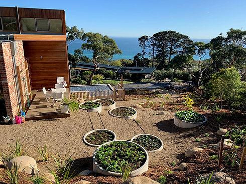 round-concrete-garden-beds.jpg