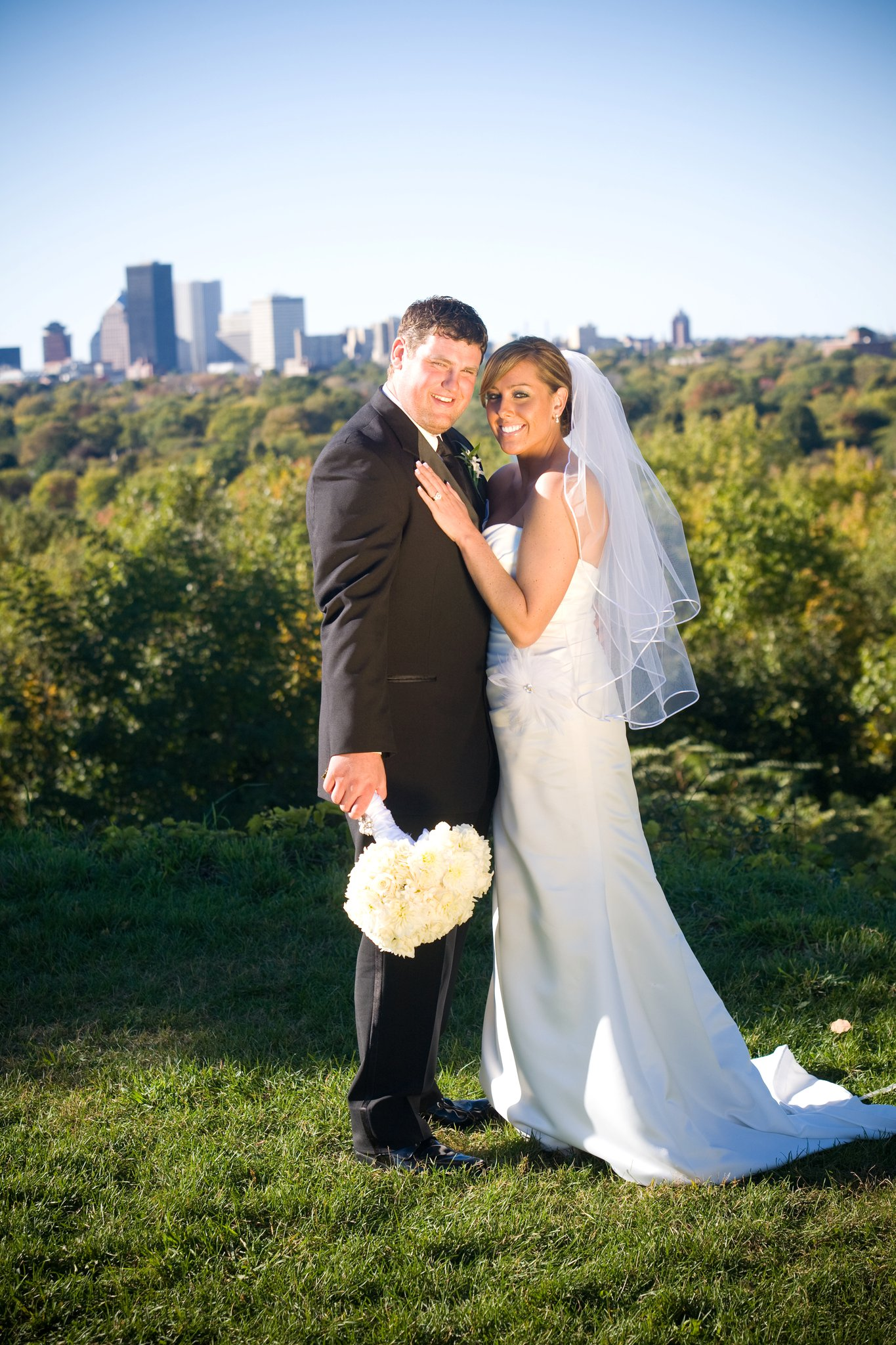 rochester,bride, on loaction,wedding, nails, makeup, sunless,2,go,spray tan, gel nail,waxing,lash ti