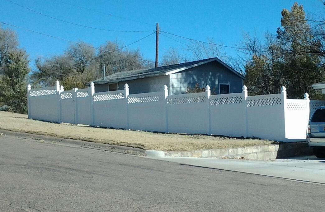home vinyl fencing