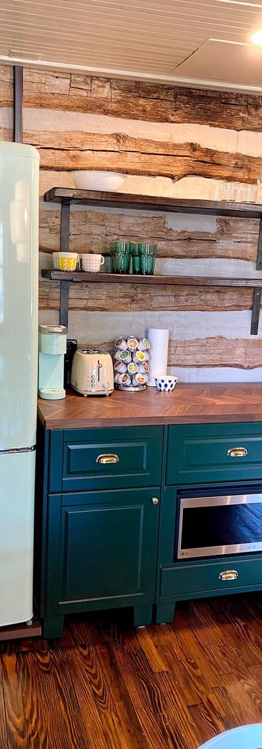 campmillpond_cabin_kitchen3.jpg