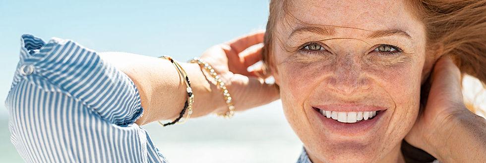 woman_with_tinnitus_smiling.jpg