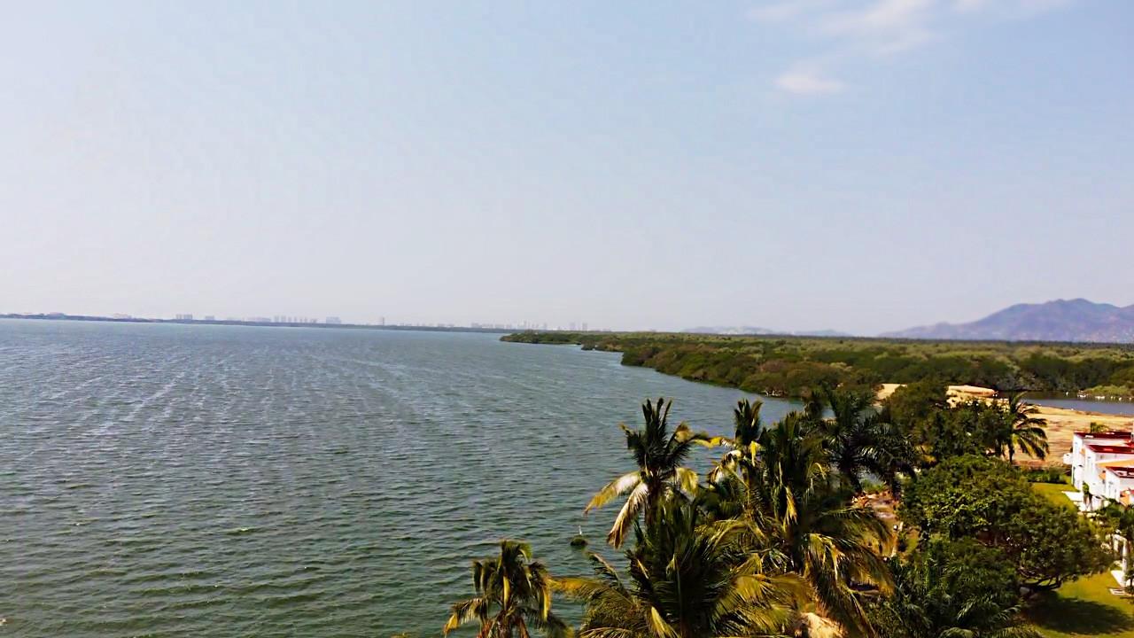 Lago tres palos- paraiso.jpg