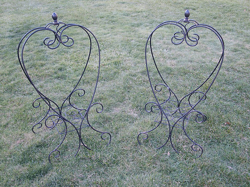 Metal Heart Plant Stand