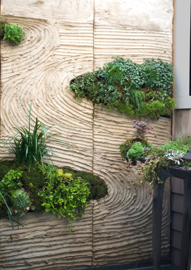 Wallscape Detail - Portland Cement with Live Plants