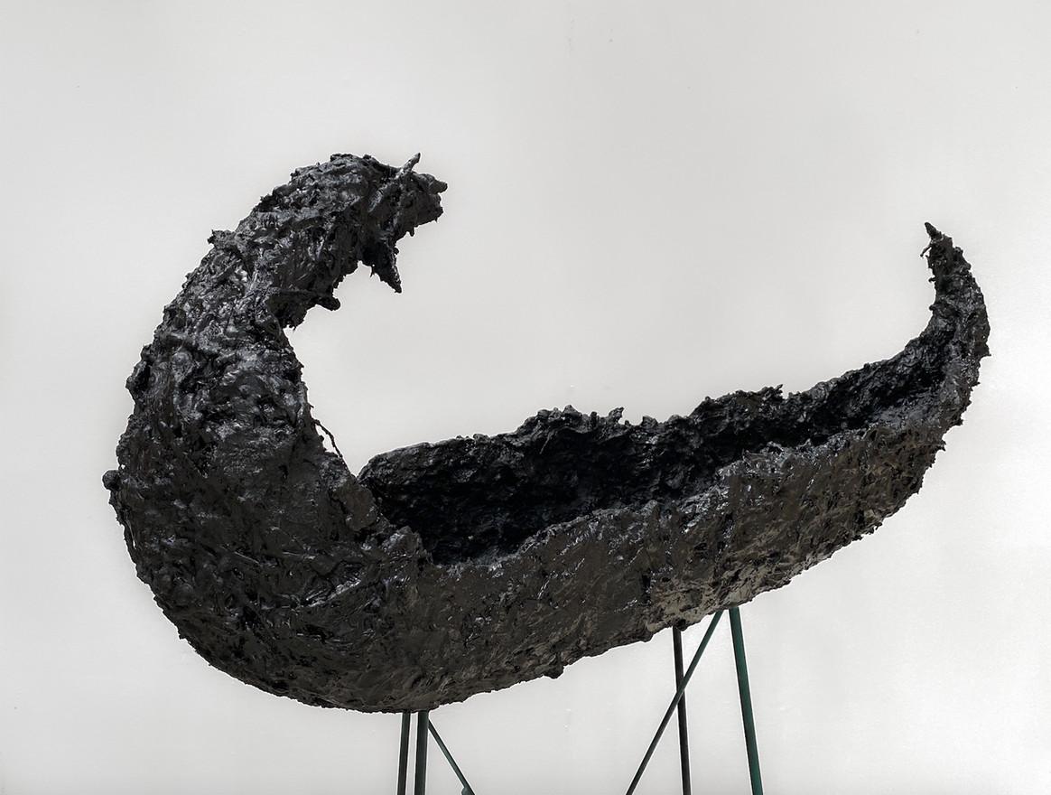 Night Journey, 2020 Plaster, hay, wire, straw, bitumen 110 x 37 x 26cm