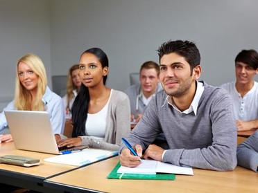 Tomar notas en medios digitales no mejora el aprendizaje.
