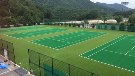 新居見市民運動公園テニスコート