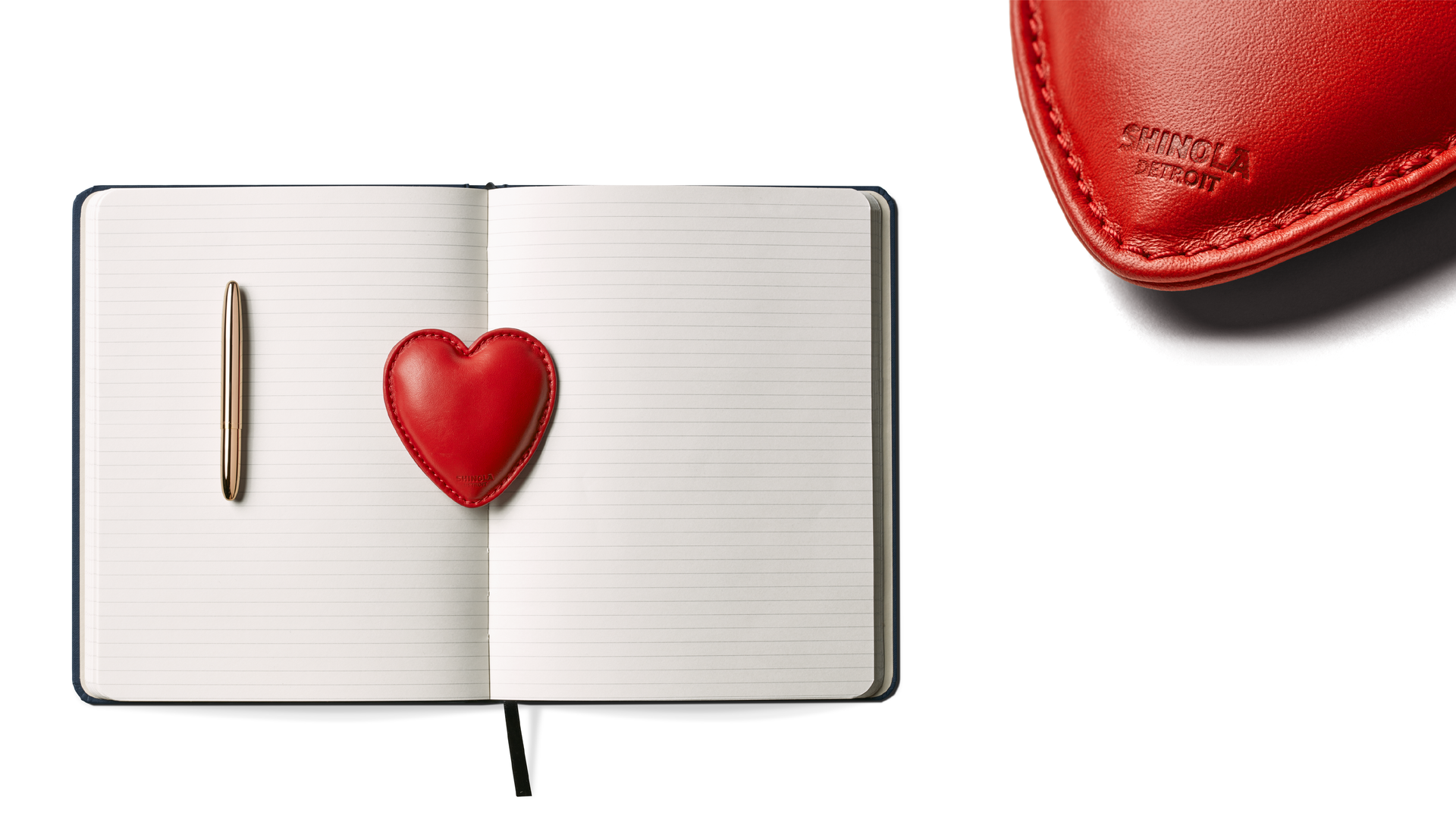 HEART PAPERWEIGHT-02.png