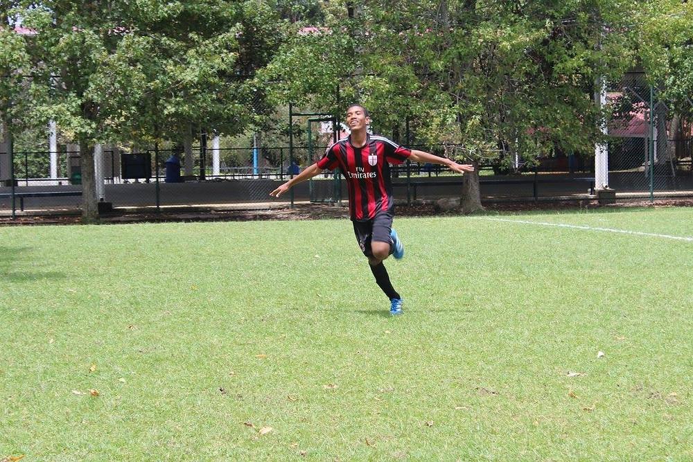 jugador de Bahía Solano celebra un gol durante uno de los compromisos disputados.