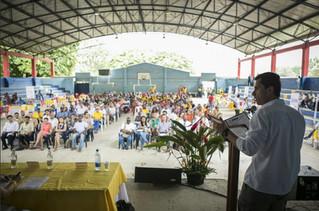 Mostrando su oferta institucional, Gobierno ratifica su compromiso con Bahía Solano