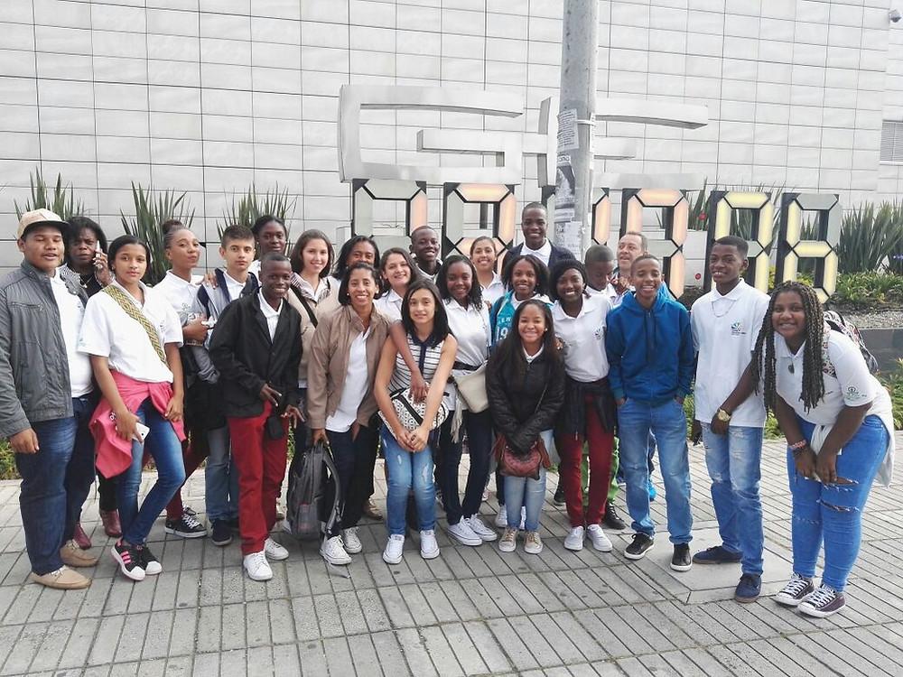 Grupo de estudiantes del Chocó que viajarán a Boston. Cortesía.