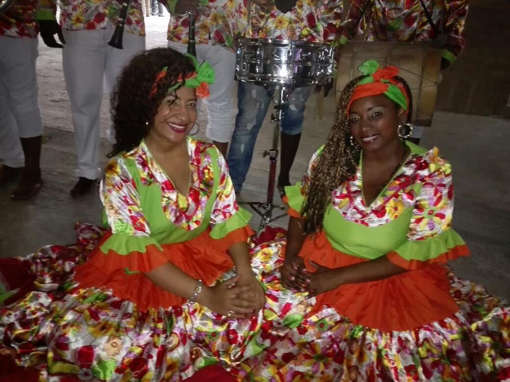 Luz y Dora, son las voces femeninas de Son Yubarta