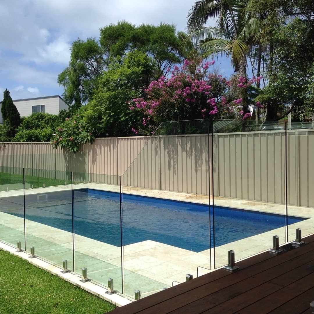 Custom pool Fencing