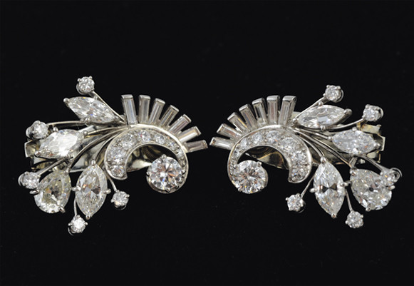 Art Deco Diamond-set 18K white gold earrings | Bunch Auctions