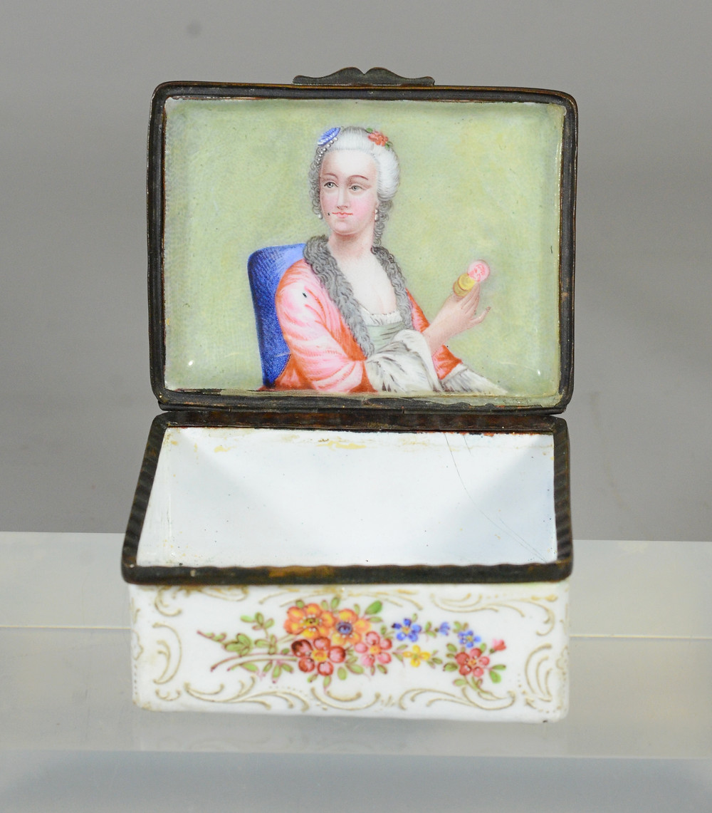 Here you can see Lot 12029 closed, and opened to reveal a beautifully painted portrait of a lady within.
