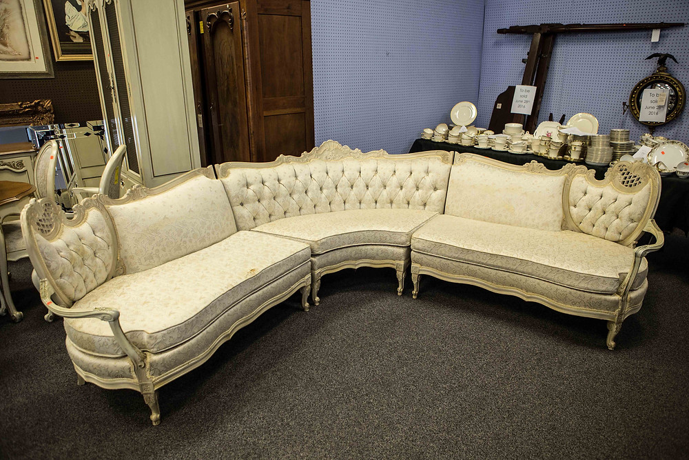 Victorian Sectional Sofa | Bunch Auctions