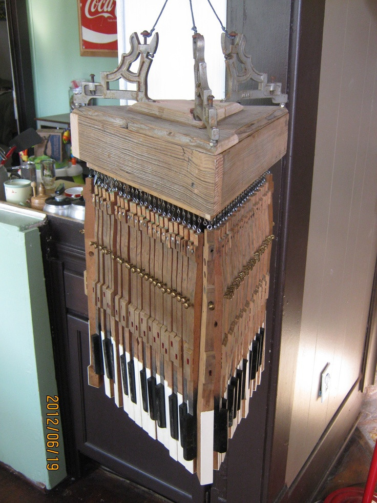 DIY Repurposed Piano Keys Chandelier | Upcycling