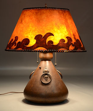 Possibly Limbert hammered copper Arts & Crafts table lamp