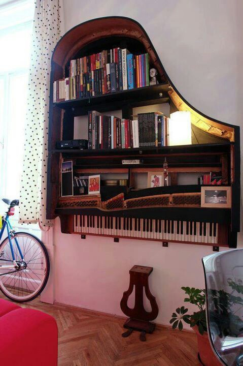 DIY Repurposed Piano Bookshelf | Upcycling