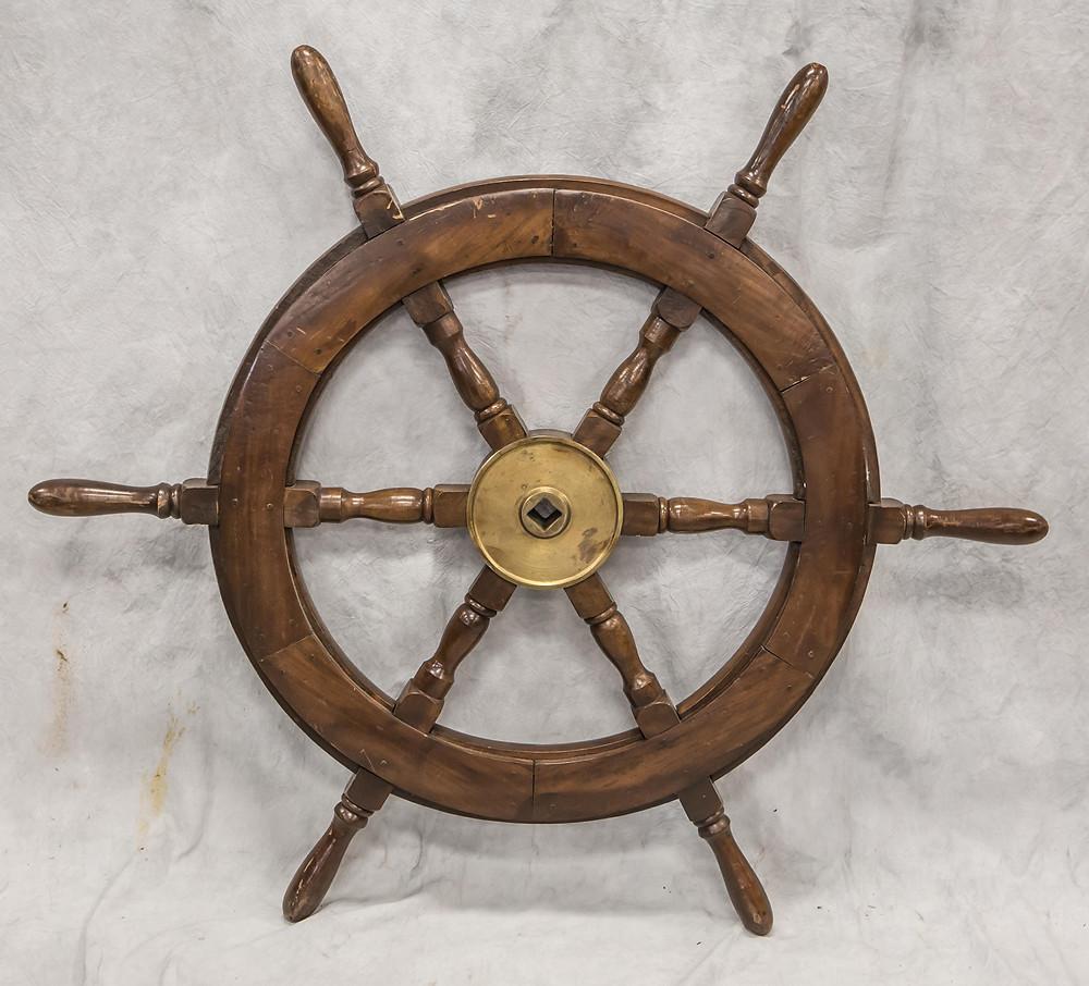 Upcycling / DIY Ship Wheel Decor Ideas