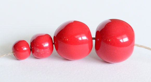 bright red solid round - assorted sizes