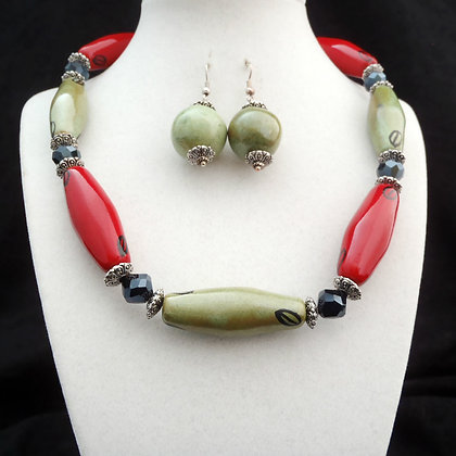 red and green necklace or earrings