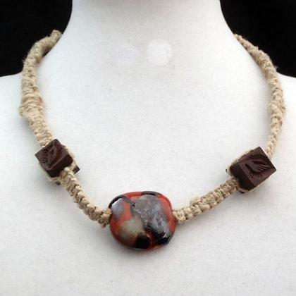 brown blotch macrame necklace