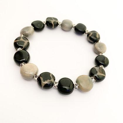 black and gray giraffe pattern stackable bracelet