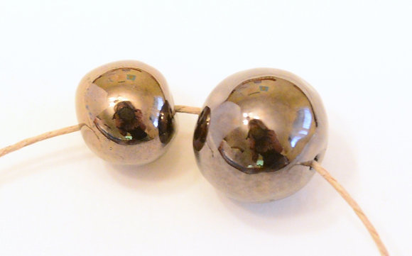 antique brown metallic solid round ball
