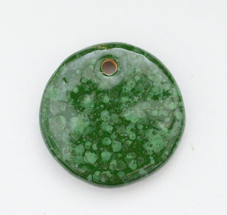 green speckle small disc pendant