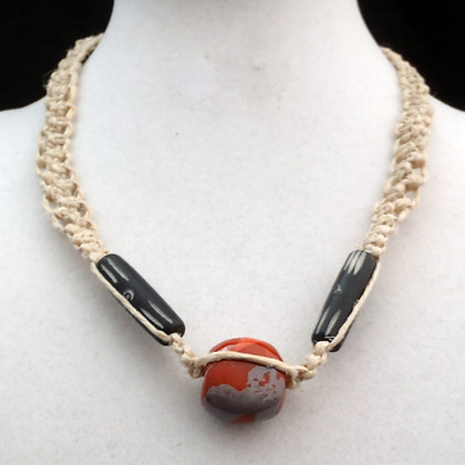 brown wildflower macrame necklace