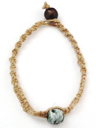 green speckle macrame bracelet
