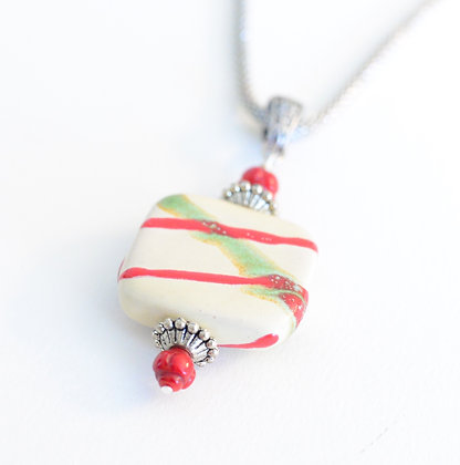 red, green & cream necklace