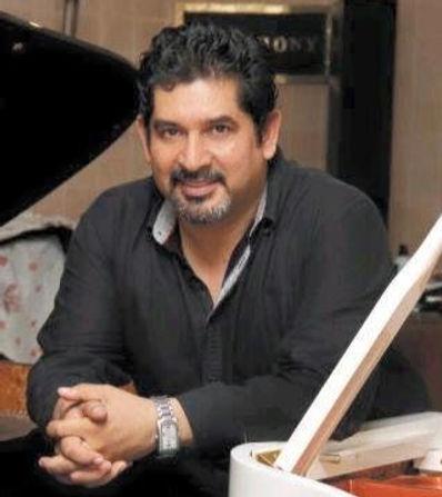 Mtro. Felipe Martínez