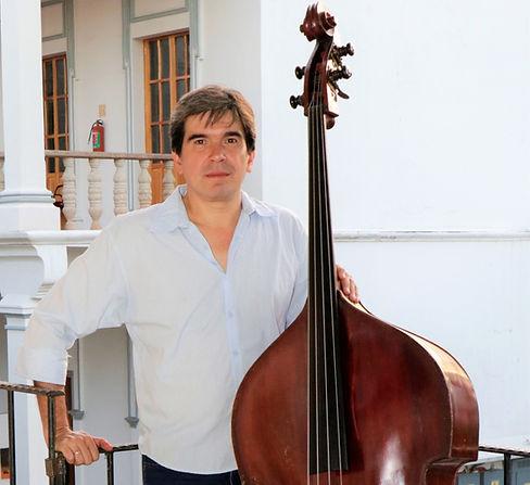 Mtro. Luis Navarro