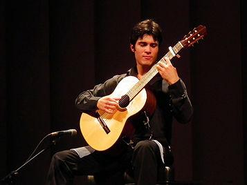 Hernán León Martínez