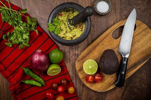 ingredients for fresh guacamole