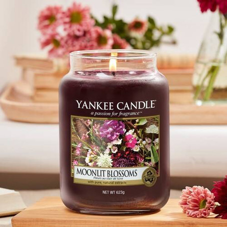 Moonlit Blossoms by Yankee Candle Review