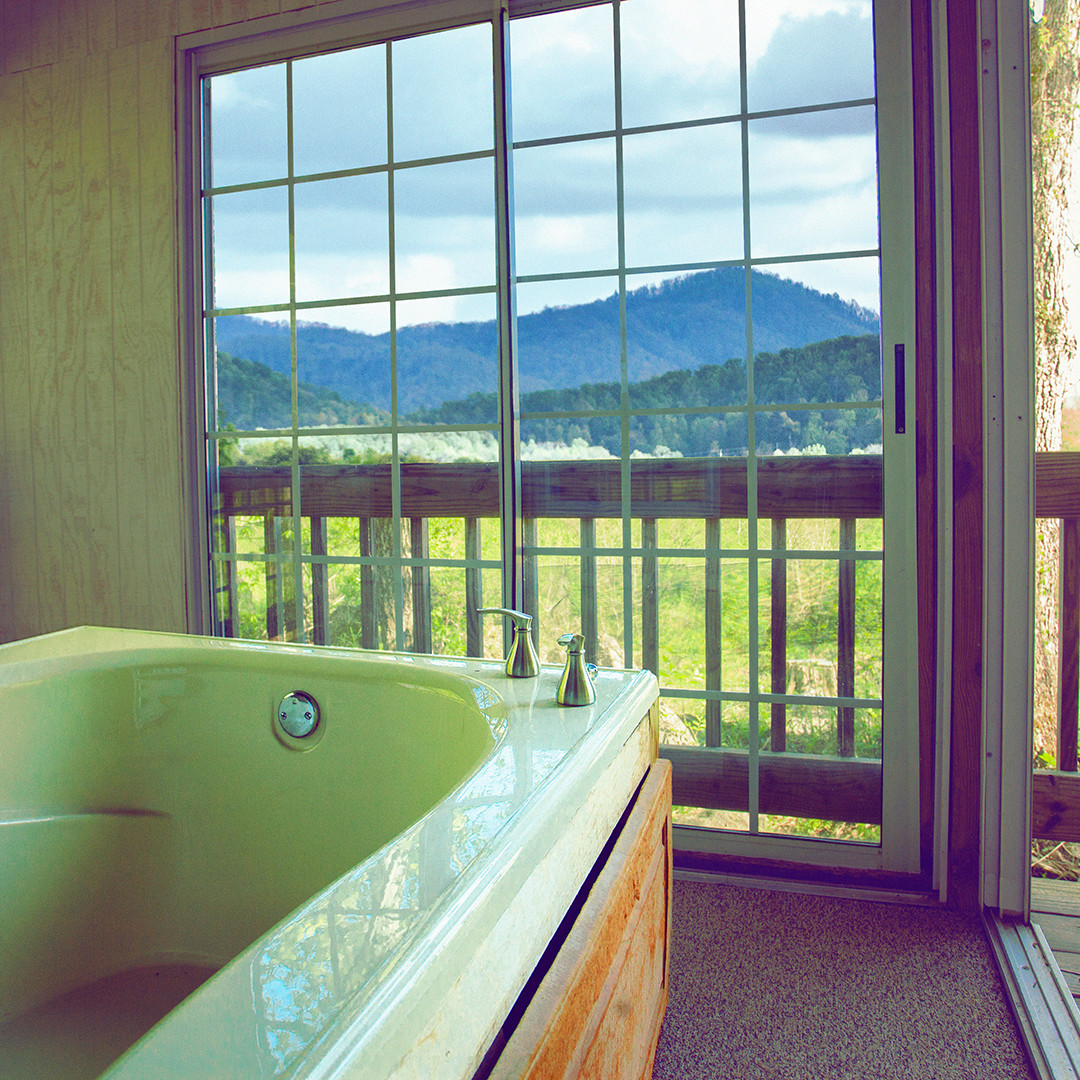 hotels with hot tub in room