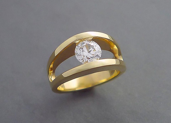 14K yellow gold and nearly 1.00 carat diamond ring