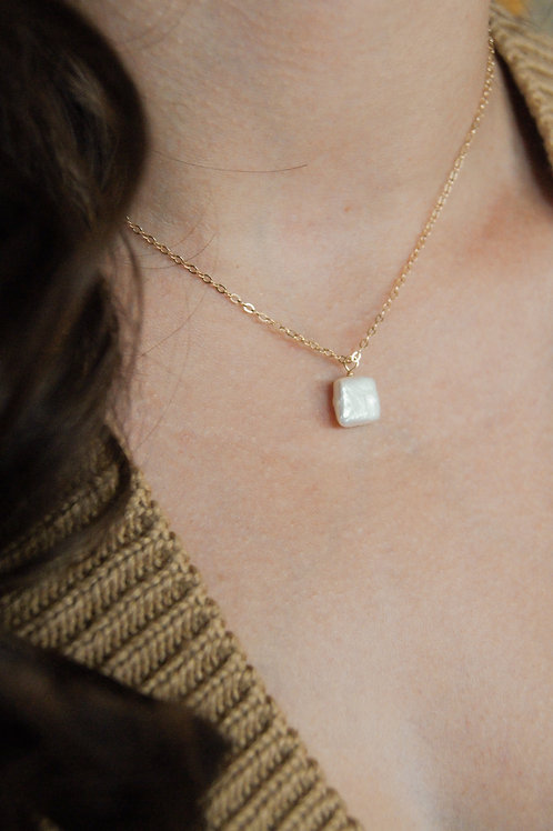Olivia Square Freshwater Pearl Necklace