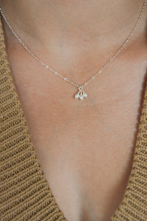 Ava Pearl cluster necklace