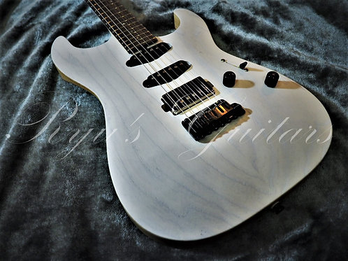 Saito Guitars S-622 Trans White