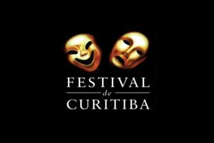 Alunos da Uninter cobrem Festival de Teatro