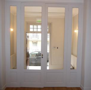 Porte intérieure vitrée à 4 vantaux réalisée par la Menuiserie des Rossignols