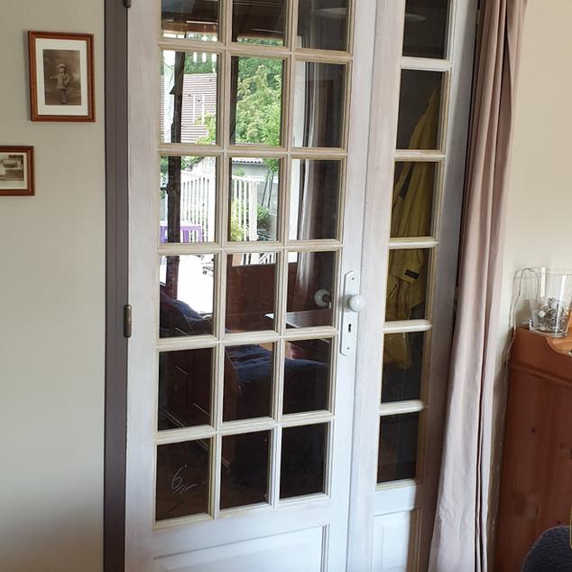 Porte d'intérieur en bois  réalisée sur mesure par la Menuiserie des Rossignols