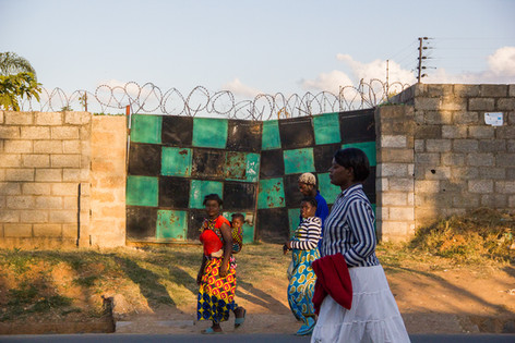 Checkered Gate: Afternoon Commute