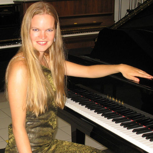 EUGENIA - pianoforte.JPG