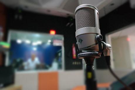 microphone-1562354_12801.jpg
